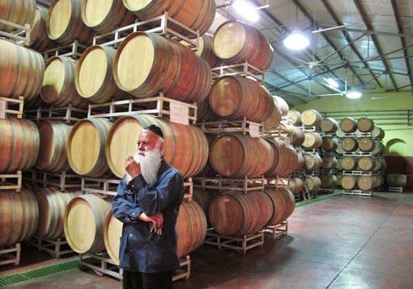https://www.mtonvin.net/wp-content/uploads/2019/03/carmel-winery.jpg